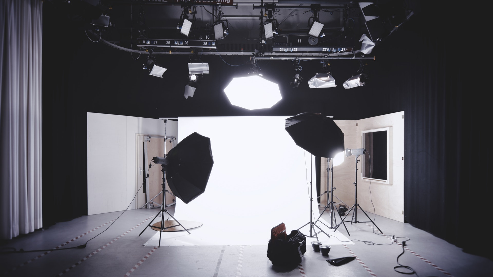 Why Should You Hire A Photography Studio In London